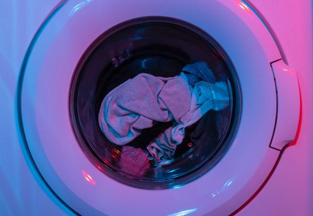 La machine à laver est souvent responsable des mauvaises odeurs du linge