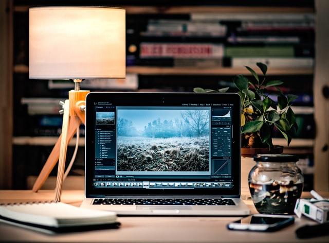 Retrouvez vos photos parfaitement colorisées avec un éditeur d'images